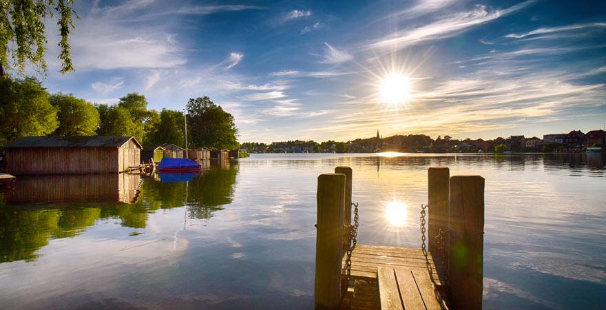Der Malchower See bei Sonnenuntergang beim Nationalpark Müritz