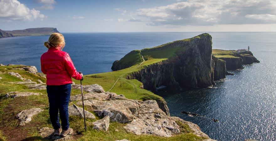 Neist Point mit dem pittoresken Leuchtturm ist ein schönes Ausflugsziel auf der Isle of Skye