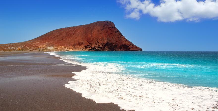 Die Playa de la Tejita auf Teneriffa zählt zu den schönsten Stränden auf Teneriffa