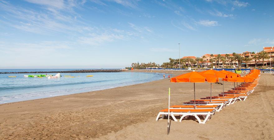 Die Playa de Los Cristianos gehört zu den Stränden auf Teneriffa mit der besten Infrastruktur