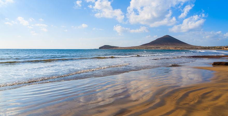 Der Playa del Médano ist vor allem bei Wassersportlern sehr beliebt