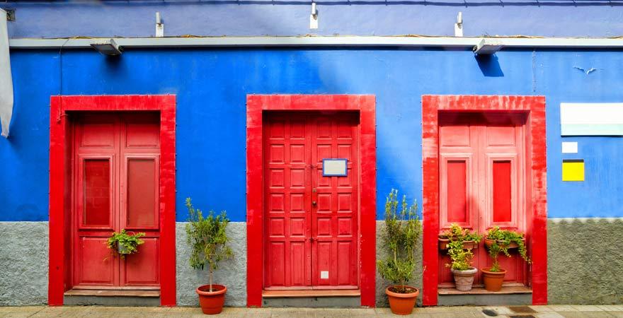 Bunte Türen in San Cristobal de la Laguna auf Teneriffa