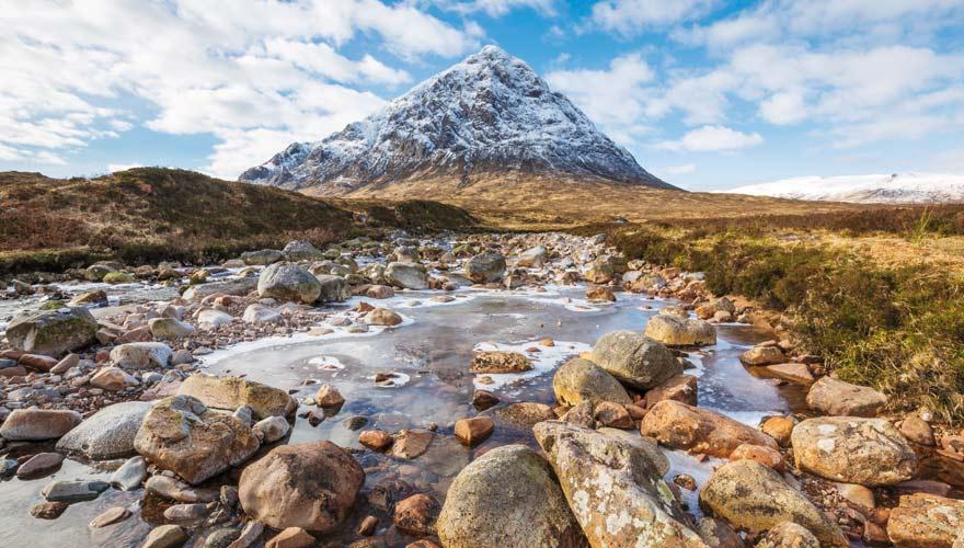 Eine Wanderung durch das Tal von Glencoe ist eine der schönsten in Schottland