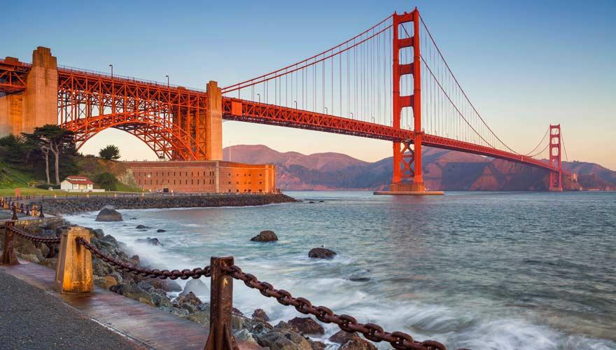 Die Golden Gate Bridge ist sicherlich bei den berühmtesten Brücken der Welt ganz vorne mit dabei