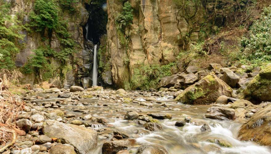 Wasserfall Salto do Cabrito auf der Azoren-Insel Sao Miguel