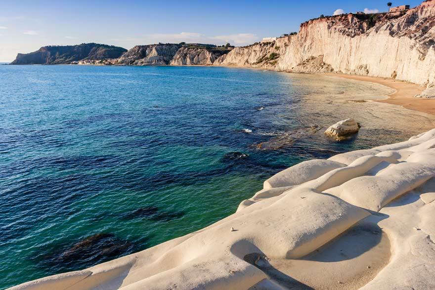 Sizilien spektakulärster Strand ist der Scala dei Turchi
