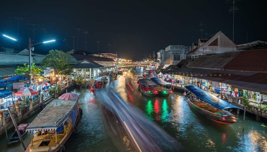 Eine Sehenswürdigkeit in Bangkok zum Shoppen: Amphawa Floating Market