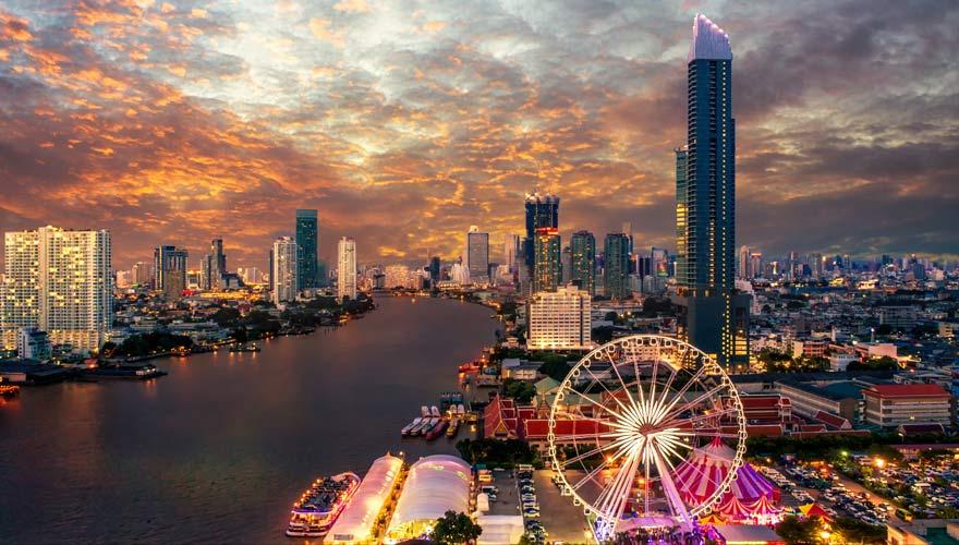 Der Nachtmarkt ASIATIQUE The Riverfront ist eine tolle Sehenswürdigkeit in Bangkok
