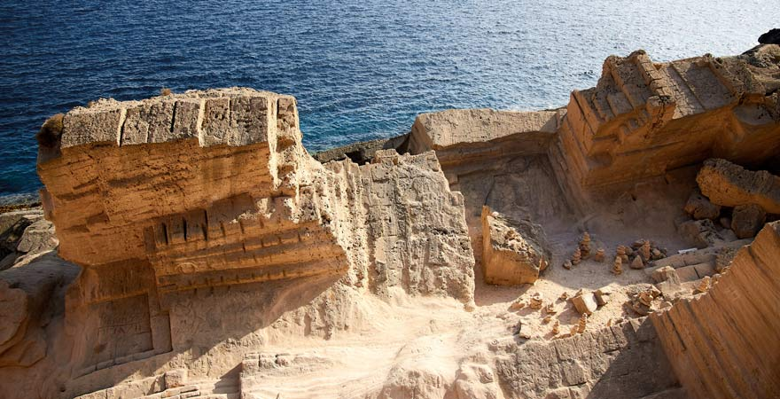 Der Steinbruch von Atlantis auf Ibiza ist eine beliebte Sehenswürdigkeit