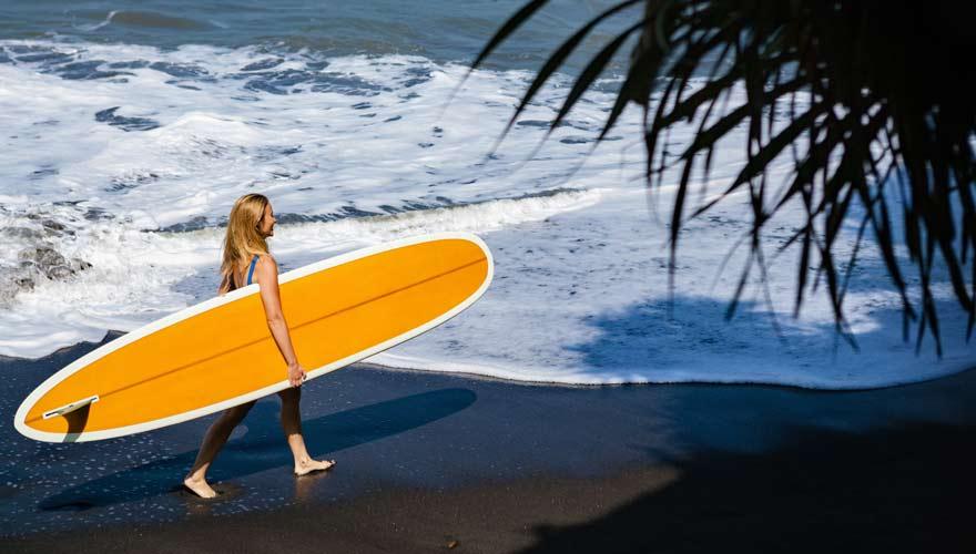 Der Balian Beach ist ein Strand auf Bali mit schwarzem Sand