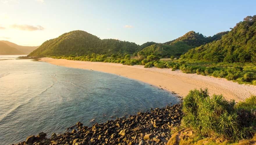 Der Strand Kuta Beach auf Bali bietet ein vielfältiges Freizeitprogramm