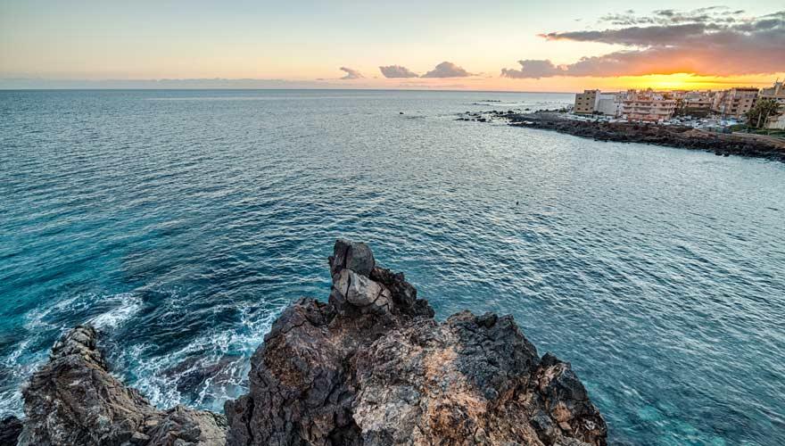 Ein schöner Wanderweg auf Teneriffa führt entlang der Küste nach Las Galletas
