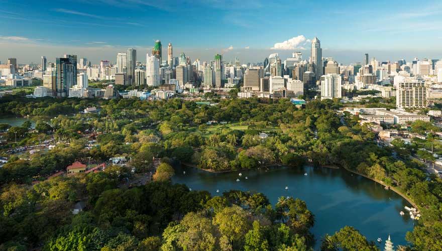 Ein schöner Ort zum Relaxen, der bei unseren Sehenswürdigkeiten in Bangkok nicht fehlen darf: Lumphini Park in Bangkok