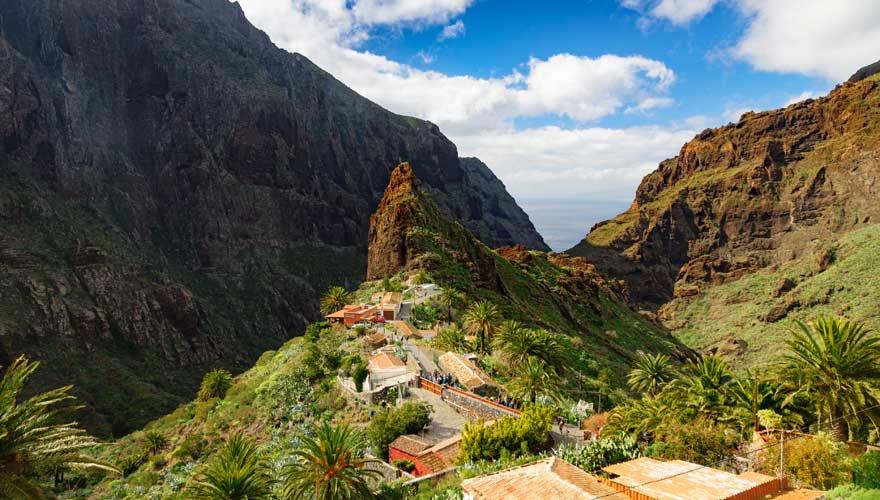 Blick über das malerische Dorf Masca auf Teneriffa