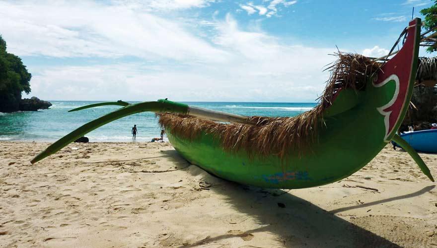 Einer der bekanntesten Strände auf Bali ist der Padang Padang Beach