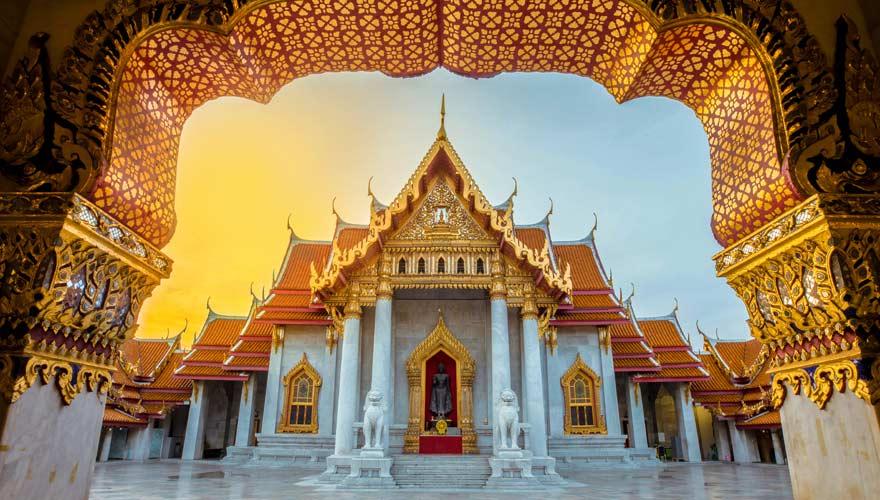 Wat Benchamabophit ist ein herrlich schöner Tempel in Bangkok