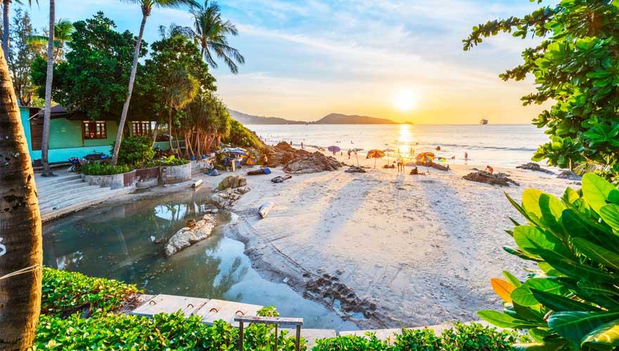 Patong Beach auf der thailändischen Insel Phuket