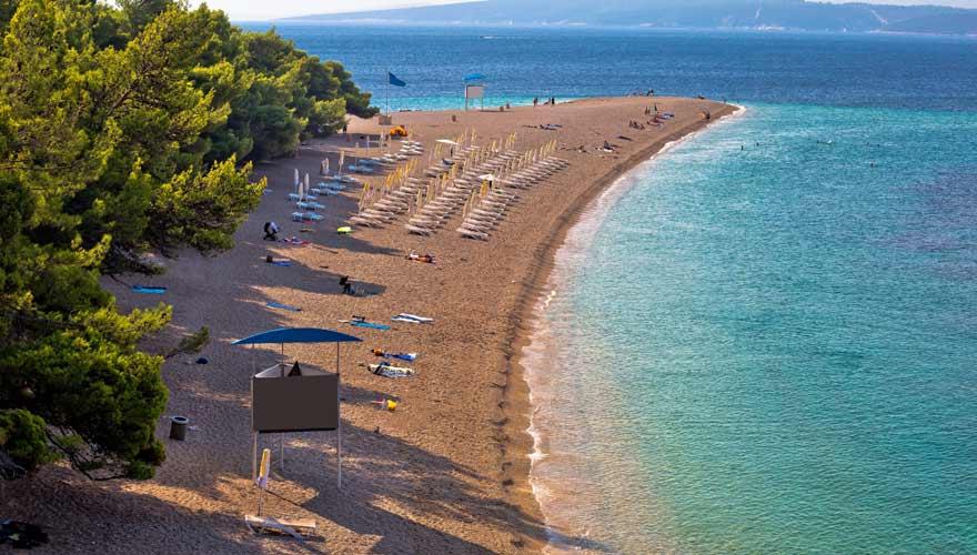 Der berühmte kroatische Strand Zlatni Rat