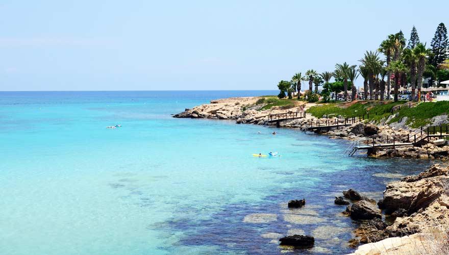Einer der schönsten Strände auf Zypern ist die Fig Tree Bay