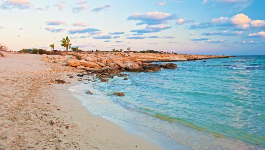 Idyllischer Landa Strand auf Zypern