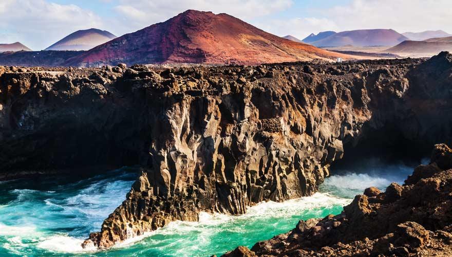 Die Felsformationen Los Hervideros auf Lanzarote