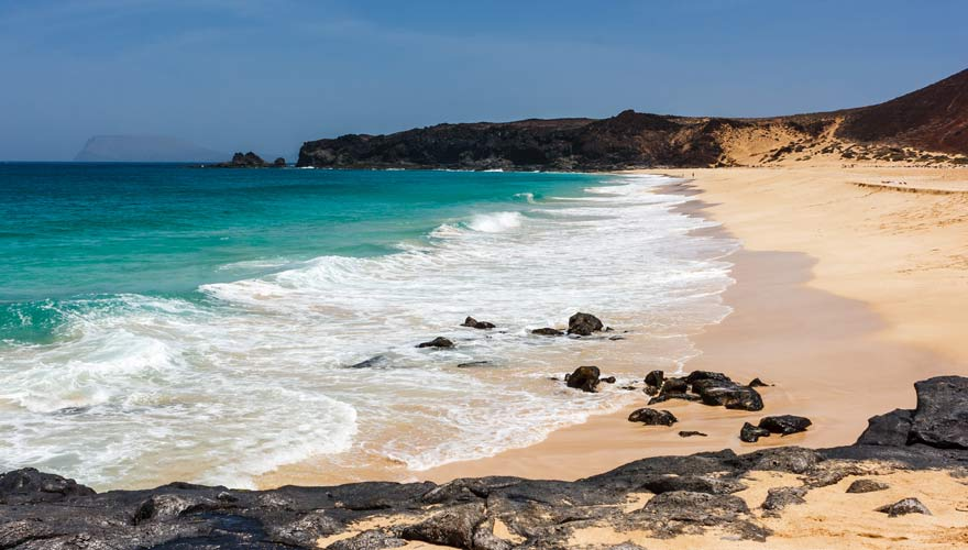 Playa de las Conchas - ein Traumstrand auf Lanzarotes Nachbarinsel La Graciosa