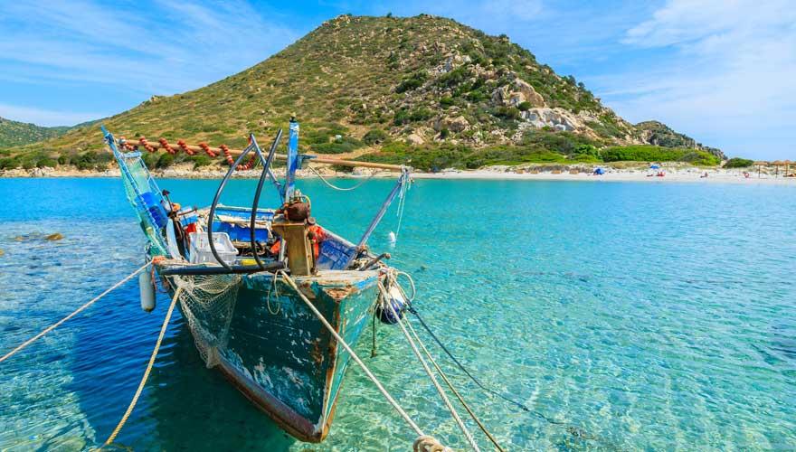 Punta Molentis auf Sardinien lockt mit einer karibischen Bucht