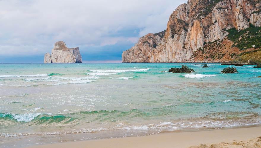 Spiaggia di Masua ist einer der schönsten Strände Sardiniens