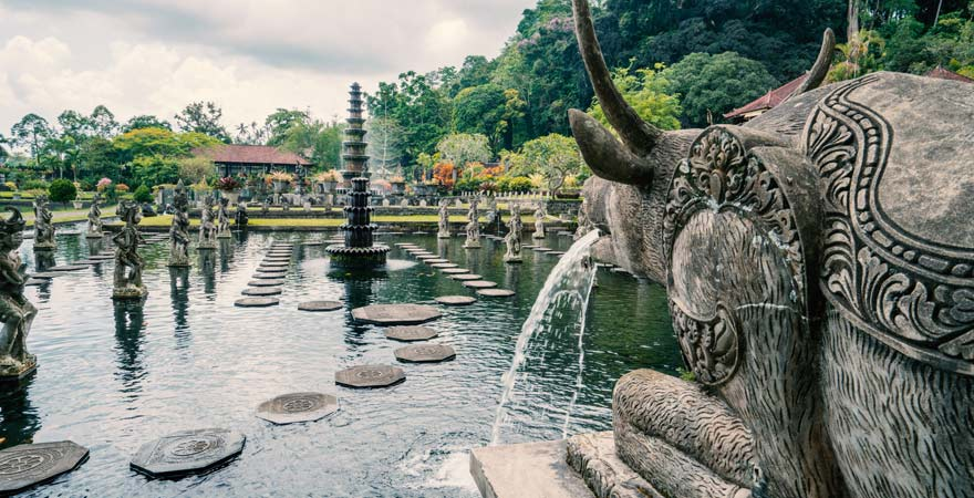 Der Wassergarten von Tirtagangga ist eine ganz besondere Sehenswürdigkeit auf Bali