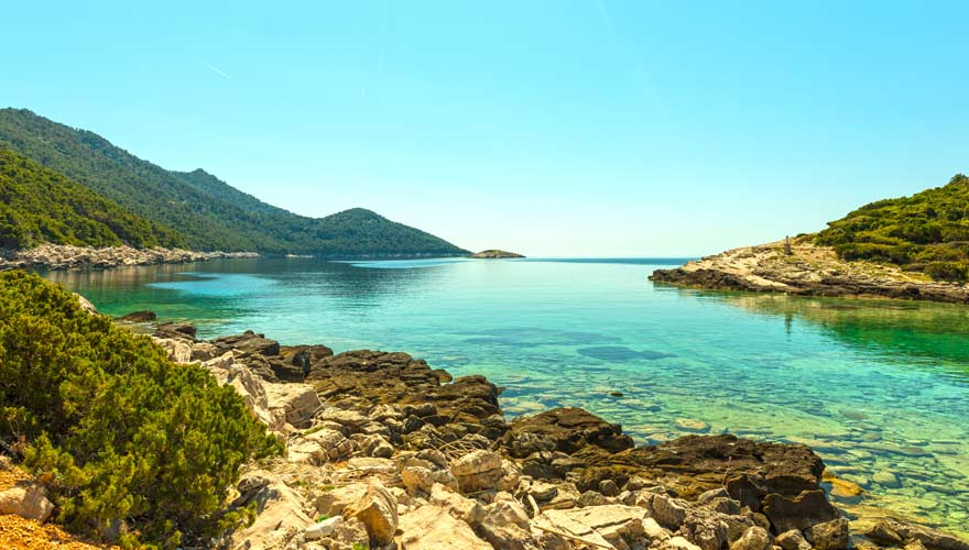 In der Nähe von Dubrovnik liegen die Strände von Veliko Jezero auf Mljet