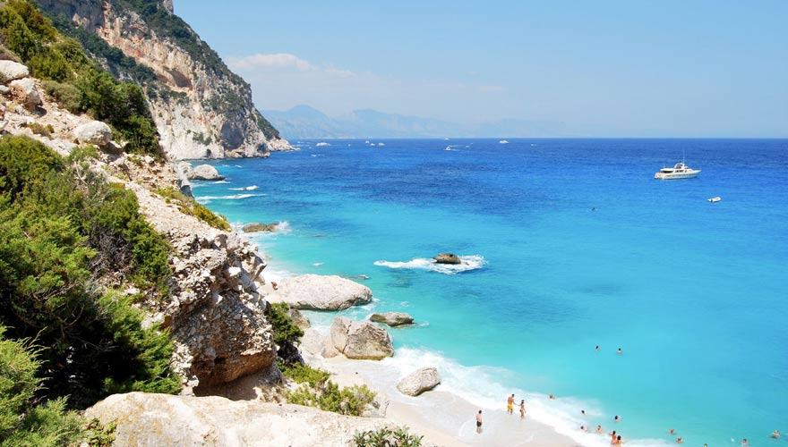 Blick auf Cala Goloritzé, Sardinien