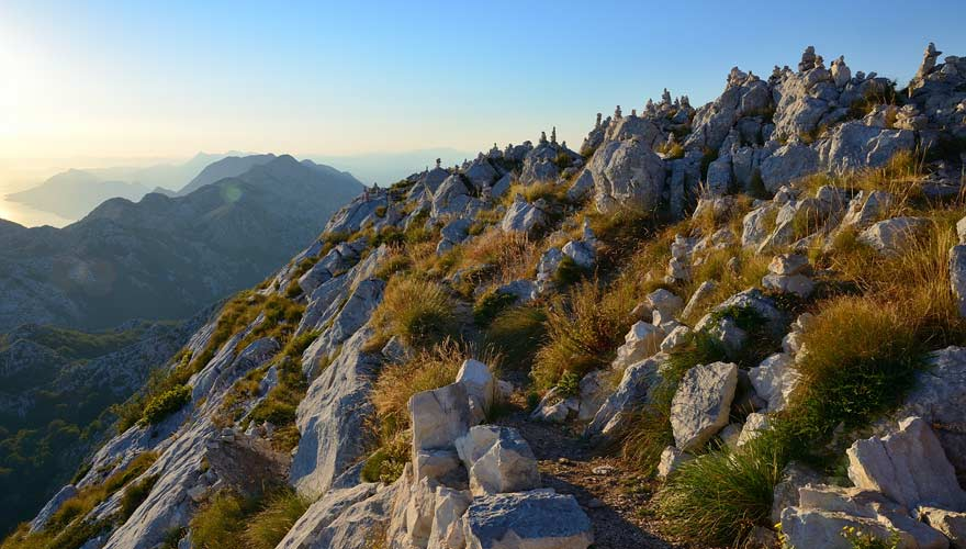 Ausblick auf dem Gipfel des Sveti Jure in Kroatien