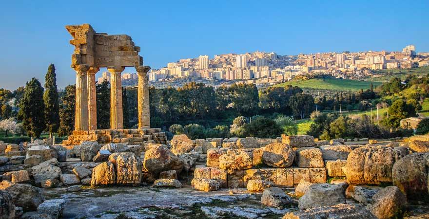 Tal der Tempel ist eine Sehenswürdigkeit bei Agrigent auf Sizilien