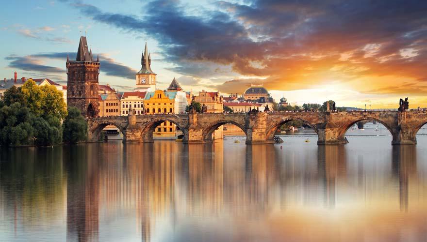 Die schöne Karlsbrücke in Prag
