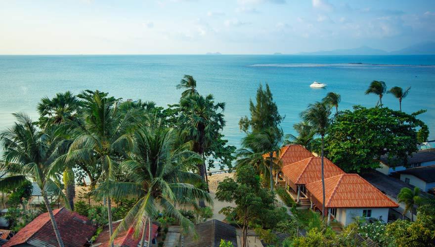 Küstenlinie von Maenam Beach auf Koh Samui
