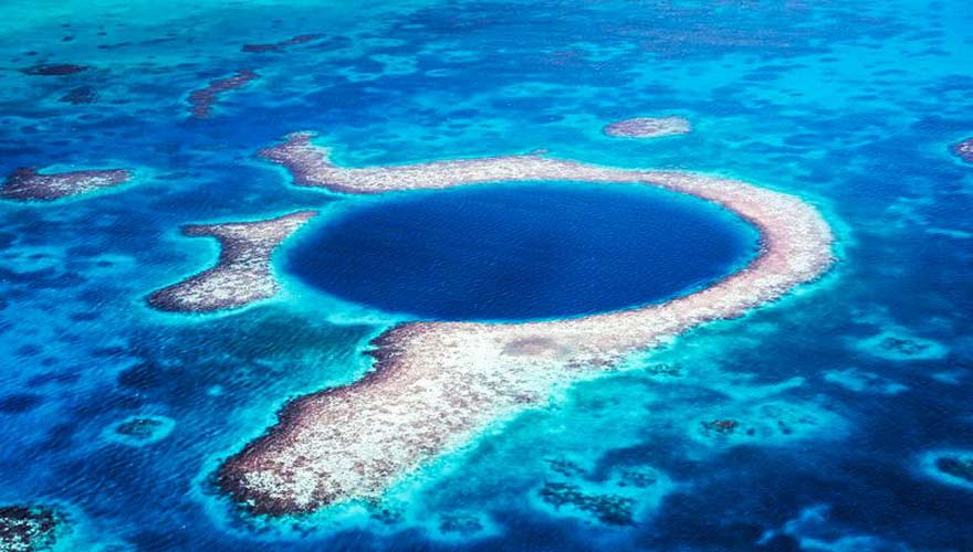 Great Blue Hole in Belize