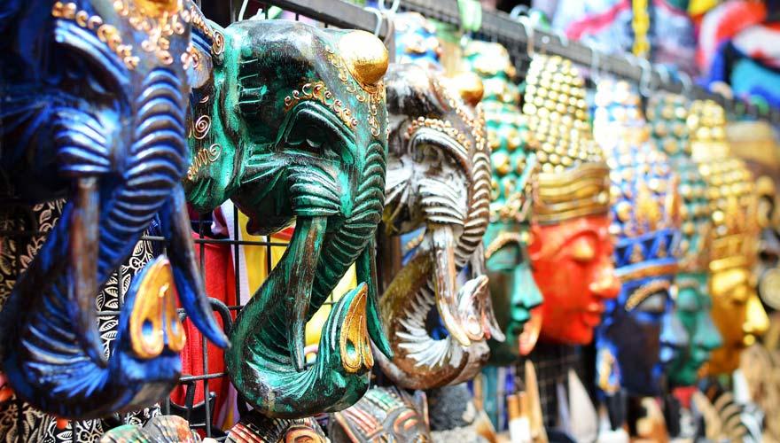 Masken auf dem Traditional Art Market in Ubud
