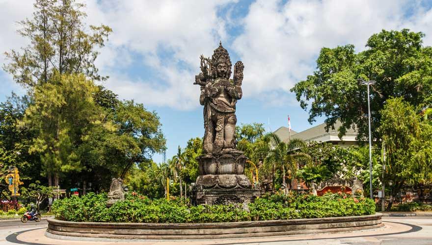 Sehenswürdigkeit Catur Muka Statua am Puputan-Platz in Denpasar
