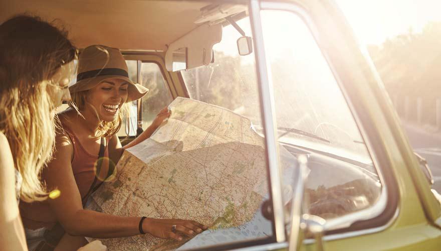 Auf der Suche nach günstigen Fernreisezielen
