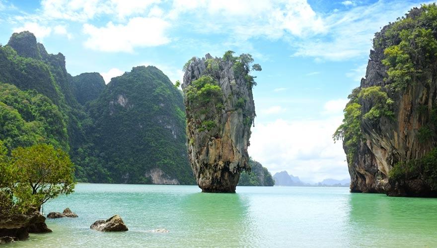 Berühmter Felsen im Ao Phang-nga Nationalpark in Thailand