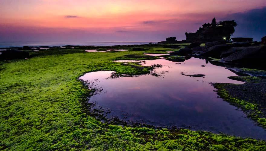 Tanah Lot bei Sonnenuntergang