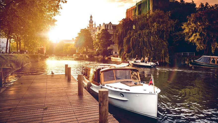 Bootstour über die Grachten in Amsterdam