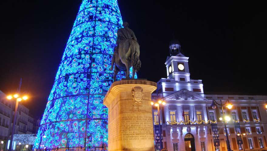 Puerta del Sol ist ein Hotspot an Silvester in Madrid
