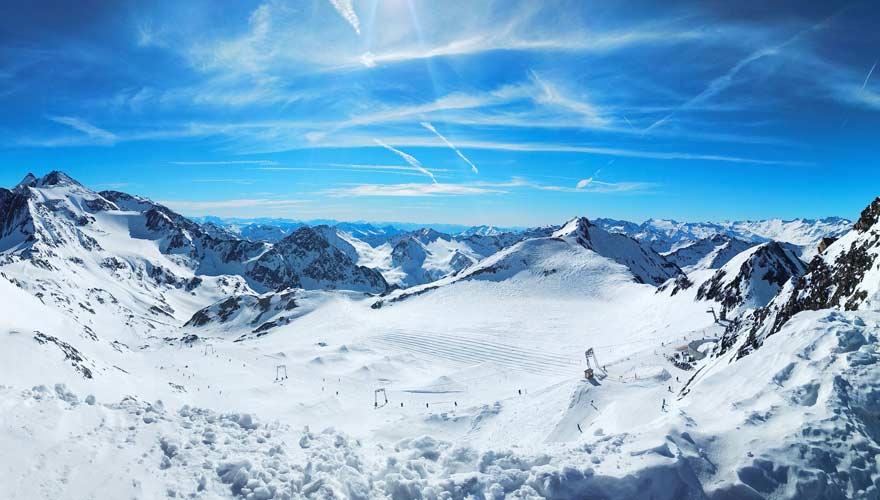 Skifahren ist typisch für Österreich