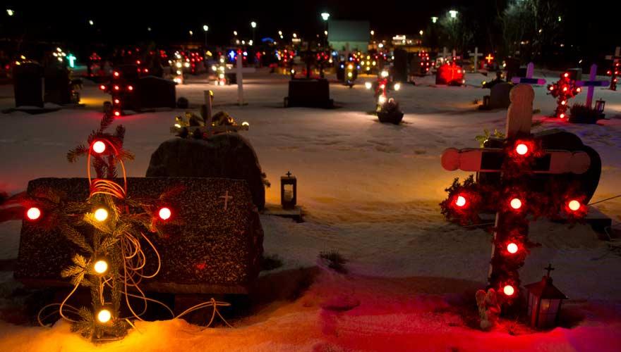 Weihnachtsbrauch in Island ist der jährliche Friedhofsbesuch