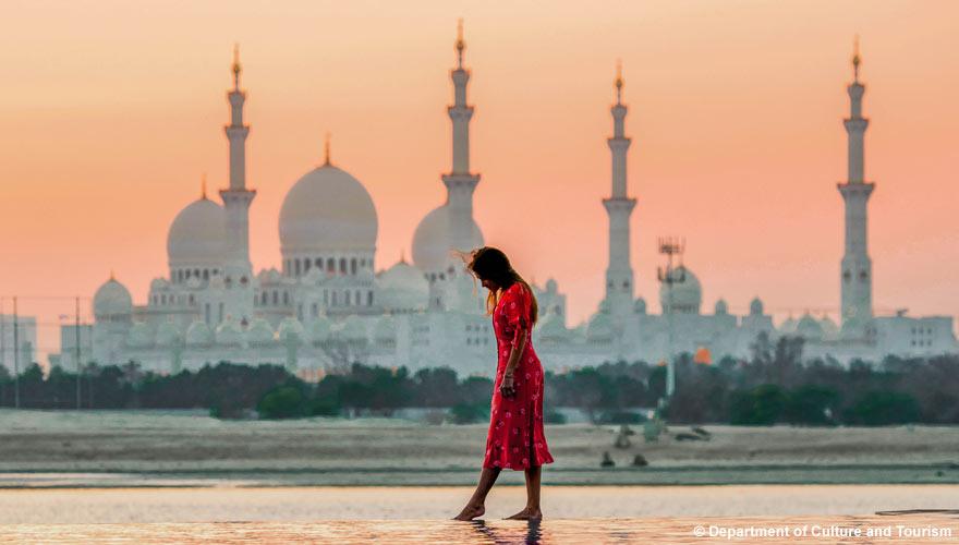 Die Sheikh Zayid Moschee ist Teil einer Stadtrundfahrt durch Abu Dhabi