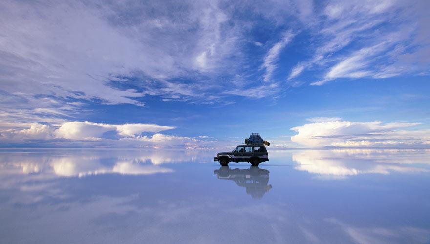 Der Salzsee Salar de Uyuni in Bolivien ist ein echtes Naturwunder