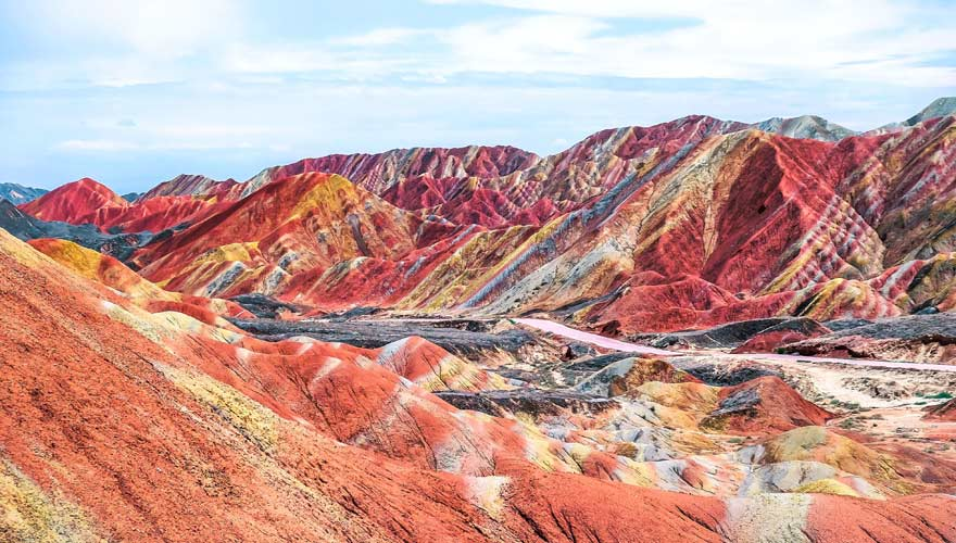 Regenbogenberge im Zhangye-Danxia-Nationalpark in China