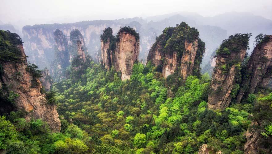Die Felsen imZhangiajie Nationalpark sehen außergewöhnlich aus