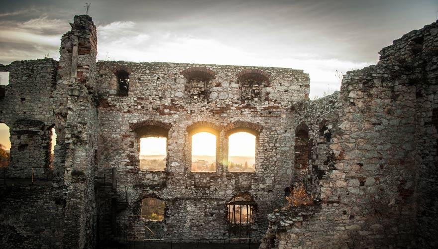 Burg Ogrodzieniec in Polen